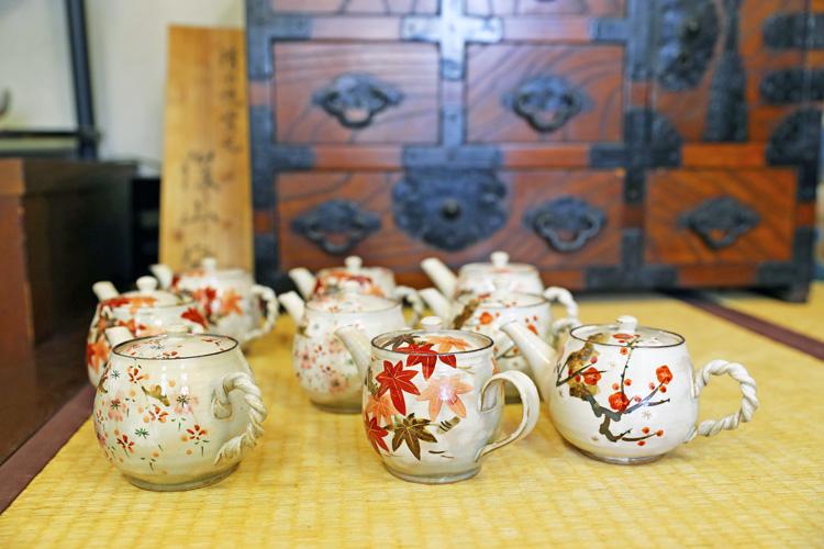 Japanese mini pot